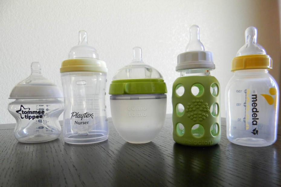 Бутылочки для кормления ребенка